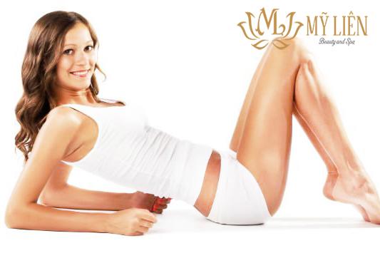 chăm sóc đôi chân trắng đẹp tự nhiên