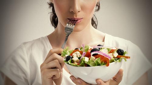 kiêng ăn gì sau khi phun xăm môi